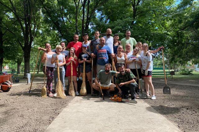 Radna akcija uređenja parka u Međi (FOTO)