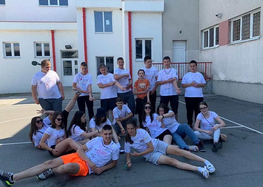 Maturanti proslavili poslednji školski dan
