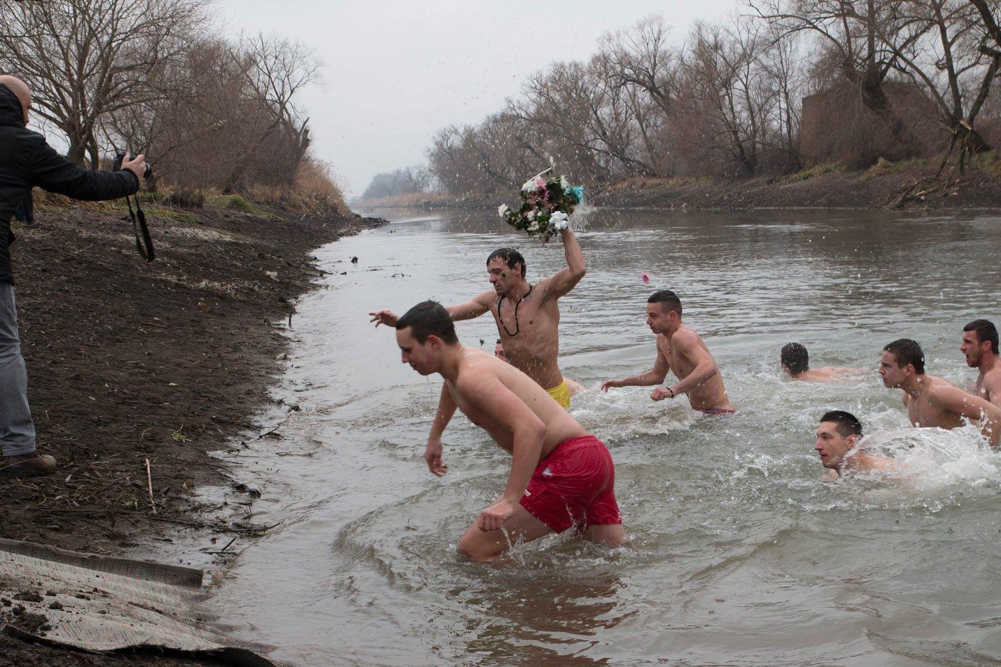 Rekordan broj prijavljenih za Bogojavljensko plivanje za časni krst
