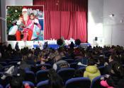 Deda Mraz obradovao poklonima decu u Žitištu